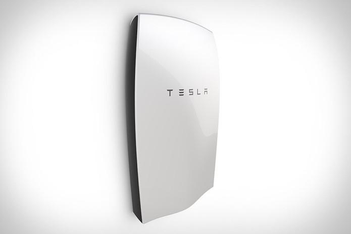 Powerwall é bateria doméstica da Tesla sem previsão de chegada no mercado brasileiro Dispositivos inteligentes permitem monitorar a residência pelo celular (Foto: Divulgação/Tesla)