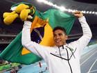 Thiago Braz ganha ouro no salto com vara e famosos comemoram