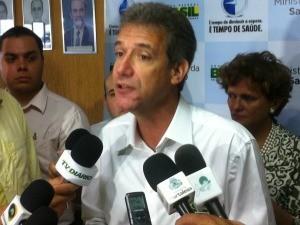 Ministro Arthur Chioro em visita a Fortaleza (Foto: Gioras Xerez/G1)