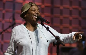 Músicas de Mart'nália: confira uma lista especial com os maiores sucessos de uma das cantoras mais populares do samba nacional
