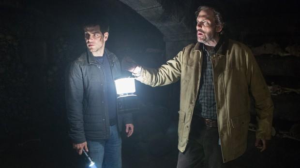 Nick e Monroe encontraram o tesouro dos templrios (Foto: Canal Universal)