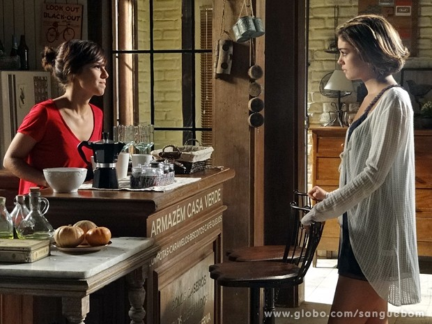 Amora fala para a irmã não ir embora (Foto: Sangue Bom / Tv Globo)