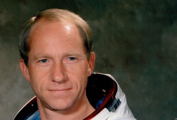 O astronauta Al Worden aponta como positivo ter mantido distância de colegas de viagem (Foto: Nasa)