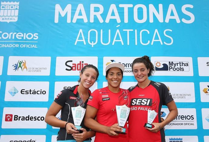 Pódio feminino Campeonato Brasileiro de Maratonas Aquáticas (Foto: Satiro Sodre / SSPress / CBDA)