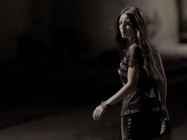 Yanna Lavigne em cena como Mariana, vítima de Edu (Foto: Dupla Identidade / TV Globo)