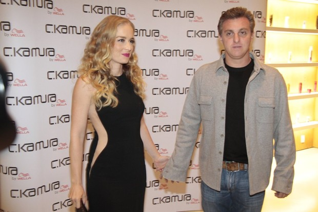 Luciano Huck e Angélica (Foto: Isac Luz / EGO)