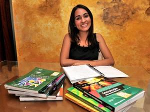 Jéssica Martins Lisbôa, 16 anos, é estudante da 3ª serie do Colégio Estadual do Espírito Santo (Foto: Fernando Madeira/ A Gazeta)