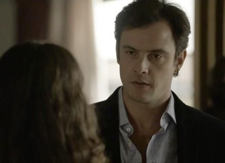 Clara arma encontro com Gael