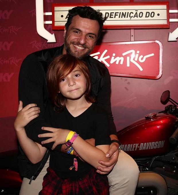 Rodrigo Lombardi com o filho, Rafael (Foto: Anderson Borde e Denilson Santos/AgNews)