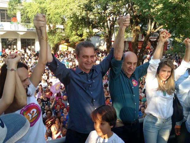 Ulisses Maia comemora a vitória na eleição (Foto: Anderson Pardinho/RPC)