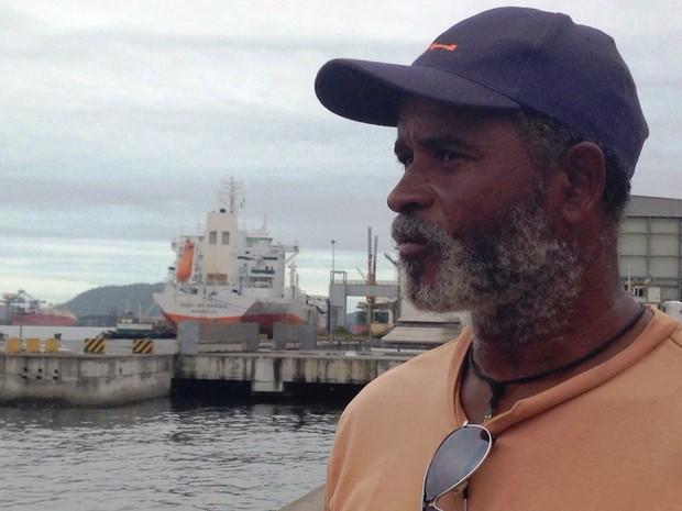 Homem foi resgatado depois de ficar à deriva em alto mar (Foto: Mariane Rossi/G1)