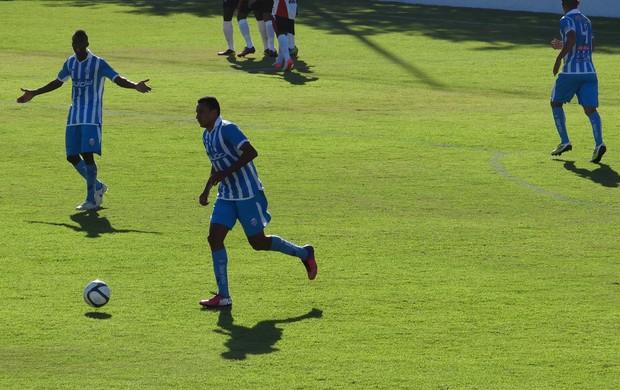 CSA x Corinthians-AL, no Nelsão (Foto: Viviane Leão/GLOBOESPORTE.COM)