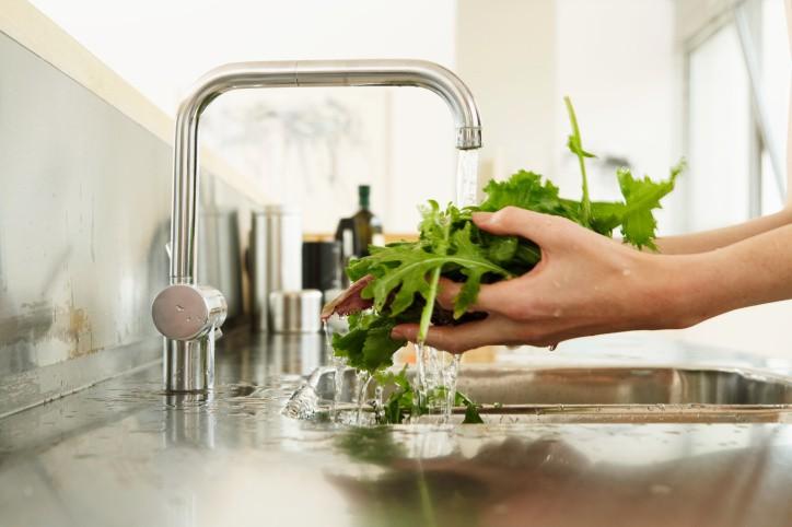 Água e alimentos contaminados são responsáveis por 2 milhões de mortes no mundo