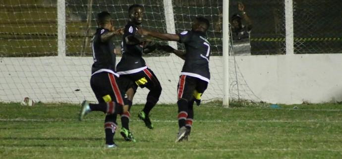 Viola comemora gol pelo River-PI  (Foto: Wenner Tito )