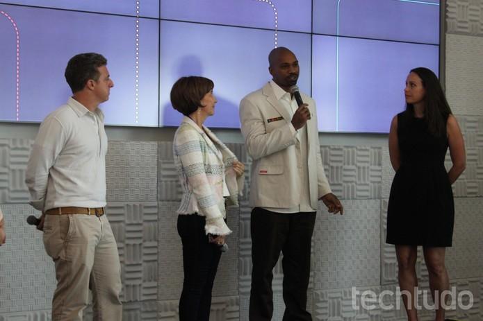 O apresentador de TV Luciano Huck, a empreendedora social Viviane Senna, o rapper e ativista MV Bill, e a diretora do Google.org, Jacquelline Fuller foram jurados do Desafio de Impacto Social Google Brasil (Foto: Tassia Moretz/TechTudo)