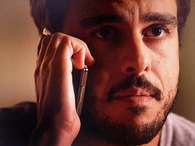 Enrico fica bolado com resposta da ex-namorada (Foto: TV Globo)