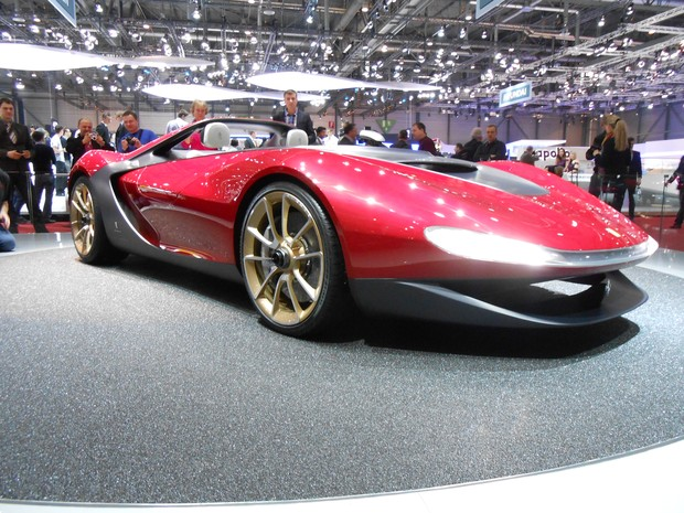 Pininfarina apresenta carro em homenagem ao designer Sergio Pininfarina (Foto: Luis Fernando Ramos/G1)