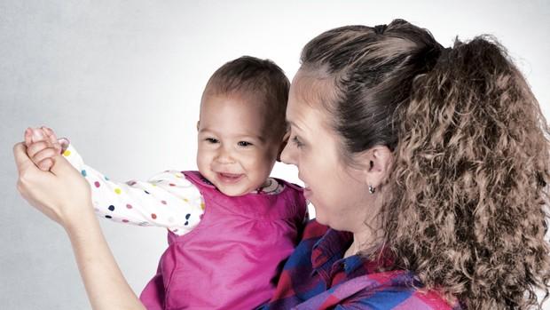 Todo bebê adora dançar. Aproveite com o seu filho (Foto: Thinkstock)