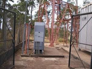 Cabos furtados de torre de telefonia em Oliveira (Foto: Polícia Militar/ Divulgação)