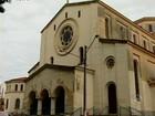 Homem agride ex-esposa dentro de igreja em Itapetininga