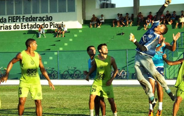 Robson - Goleiro do Parnahyba (Foto: Foto: Renneé Fontenele / Portal Azulino)