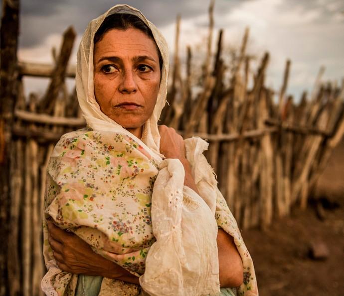 Cyria Coentro viverá Piedade, mulher de Belmiro em 'Velho Chico', e terá confrontos com o marido por sua teimosia (Foto: Caiuá Franco/ Globo)
