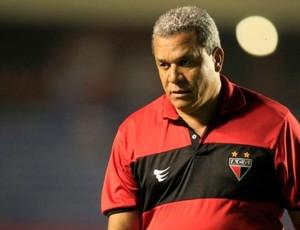 Hélio dos Anjos, técnico do Atlético-GO (Foto: Cristiano Borges / O Popular)