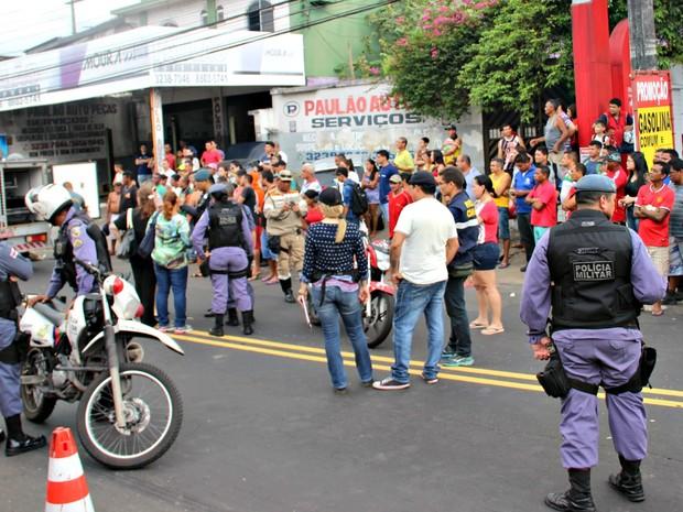 Atropelamento ocorreu na Av. Desembargador. João Machado (Foto: Gabriel Machado/G1 AM)