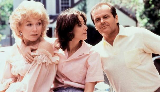 A viúva Aurora Greenway (Shirley MacLaine) e sua filha Emma Horton (Debra Winger), apesar de se amarem, têm uma relação conflituosa (Foto: Divulgação/Reprodução)
