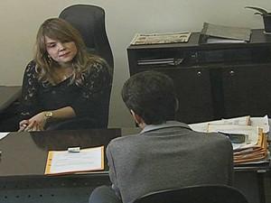 Jovem suspeito de divulgar vídeo de sexo com amante prestou depoimento em Goiânia (Foto: Reprodução/TV Anhanguera)