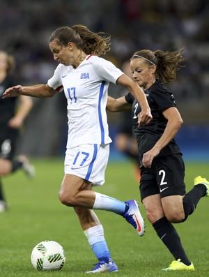 Tobin Heath Estados Unidos  x França (Foto: Reuters)
