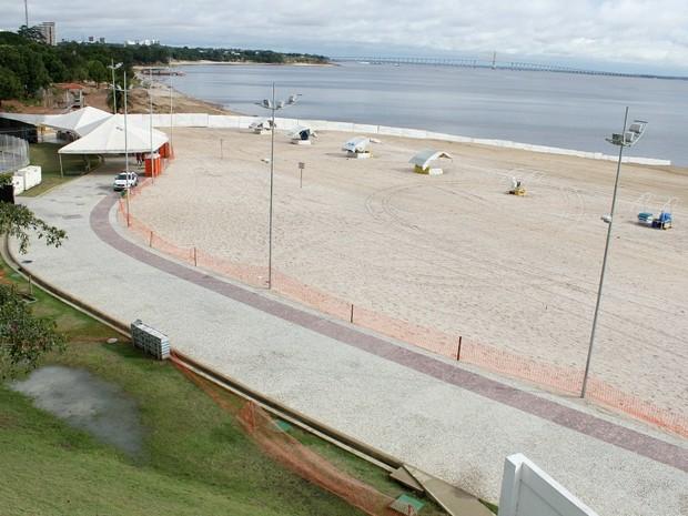 Praia da Ponta Negra estará interditada para o acesso de banhistas durante o Réveillon (Foto: Adneison Severiano/G1 AM)