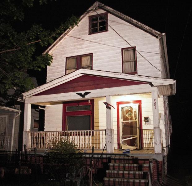 Casa em Cleveland, Ohio, onde três mulheres eram mantidas em cativeiro (Foto: Bill Pugliano/Getty Images North America/AFP)