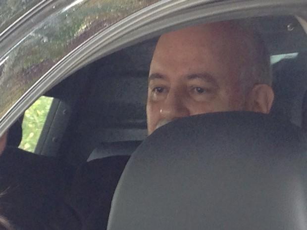 Américo Ribeiro Tunes, superintendente do Ibama, foi preso em Florianópolis (Foto: Naim Campos/RBS TV)