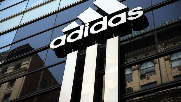 "Muita gente pensa que o nome ""Adidas"" é uma sigla para ""All day I dream about soccer"" (Foto: Getty Images)"