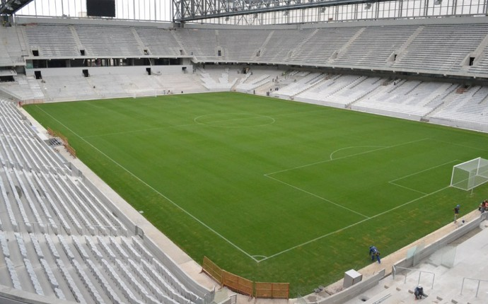Panorâmica do estádio, com mais da metada das cadeiras instaladas (Foto: Divulgação/Site Oficial do Atlético-PR)
