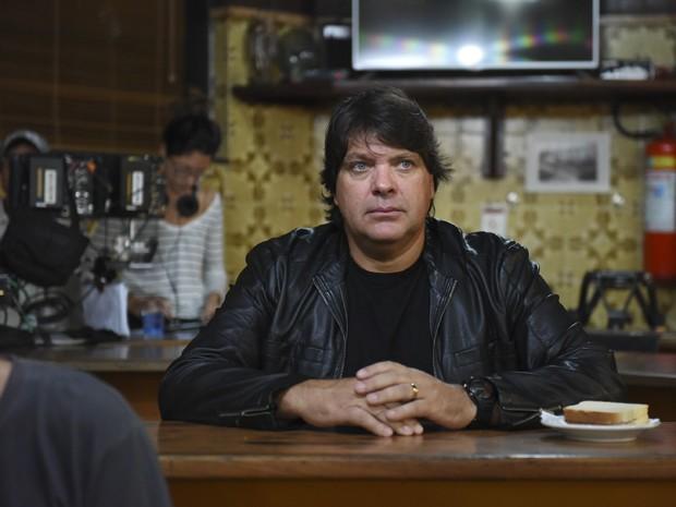 Roberto Bataglin na srie 'Romance Policial - Espinosa' (Foto: Pprica Fotografia)