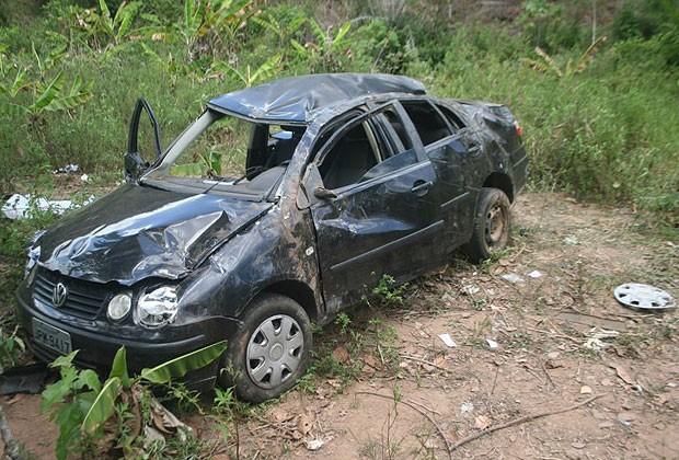 Acidente na BA-026, na Bahia (Foto: Marcelo Dial/ Site A voz da Bahia)