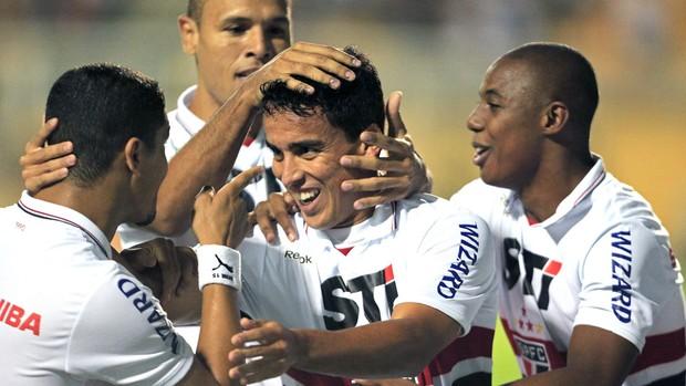 Jadson comemora go do São Paulo contra o Universidad do Chile (Foto: Sergio Neves / Agência Estado)