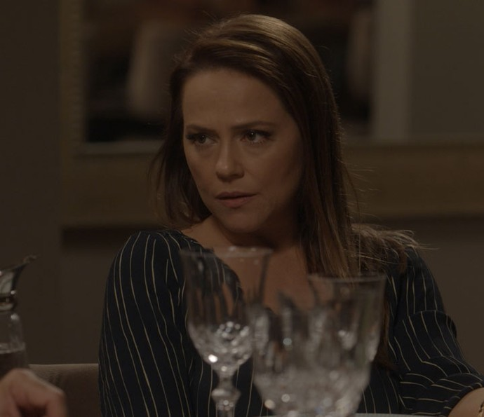 Lili também fica chocada com a maldade de Carol (Foto: TV Globo)
