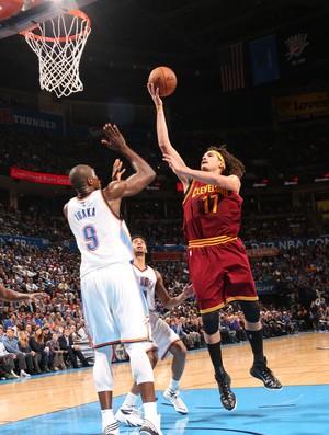 Anderson Varejão Oklahoma x Cleveland NBA (Foto: Getty)