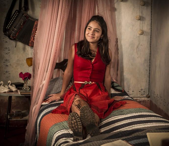 Olívia confessa que está apaixonada por Lucas  (Foto: Inacio Moraes/Gshow)
