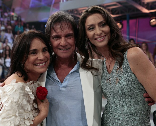 Regina Duarte e Maria Fernanda Cândido também tietaram o Rei (Foto: Domingão do Faustão / TV Globo)
