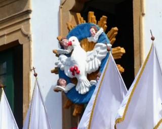 Tradicional Festa do Divino acontece em Paraty (Foto: Reprodução/ TV Rio Sul)
