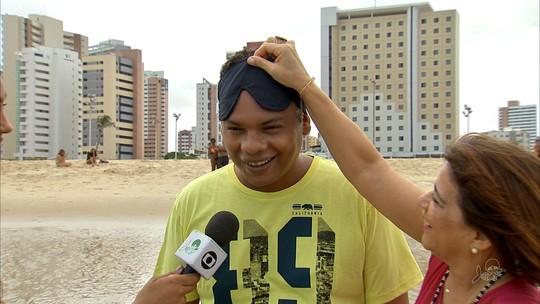 Escritora realiza sonho de pintor de conhecer o mar aos 34 anos no Ceará