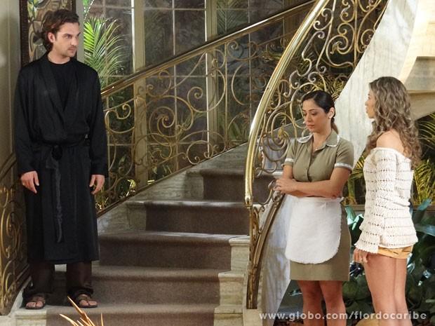 Alberto não deixa Ester ver Laurinha (Foto: Flor do Caribe / TV Globo)