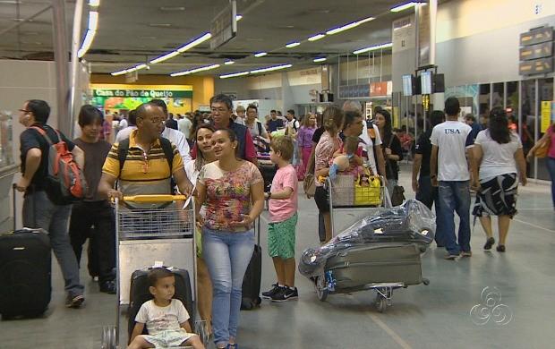 Na pressa, muitos objetos acabam sendo esquecidos no aeroporto (Foto: Amazonas TV)