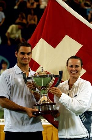 Roger Federer e Martina Hingis na Copa Hopman em 2001 (Foto: Sean Garnsworthy / Getty Images)