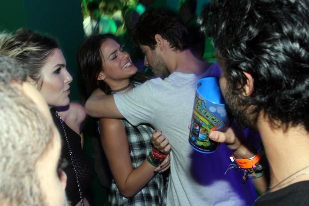 Mauricio Destri e Bruna Marquezine no Rock in Rio (Foto: Marcos Ferreira/ Foto Rio News)