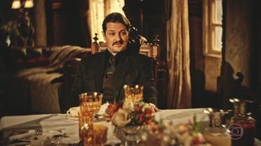 Carlos Eduardo provoca Miguel e Martim